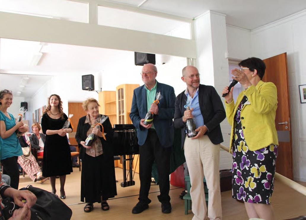 Auch Susanne Schietzel und Hans Joachim Zick haben musiziert. Edith Koischwitz, Leiterin der Offenen Tür, Torsten Schreiber und alle Gäste waren begeistert.
